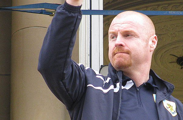 1415 burnley sean dyche 02 600