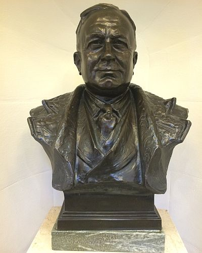 Herbert Chapman still proudly on display in the old marble hall