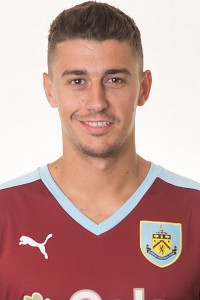 1516 burnley matt lowton 00 400x600