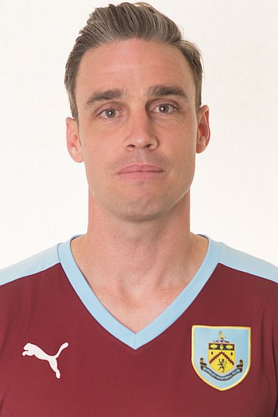 1516 burnley michael duff 00 400x600