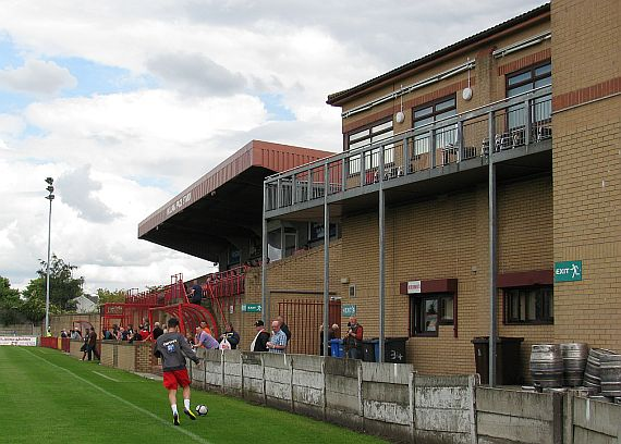grounds droylsden 11