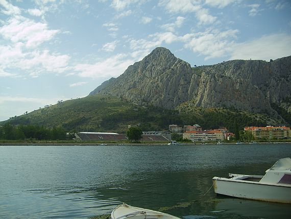 grounds omis 1