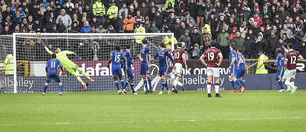 The last home goal in the 100 - Robbie Brady v Chelsea