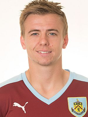 1516 burnley steven hewitt 00 300x400