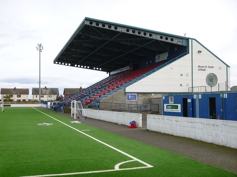 grounds montrose 6