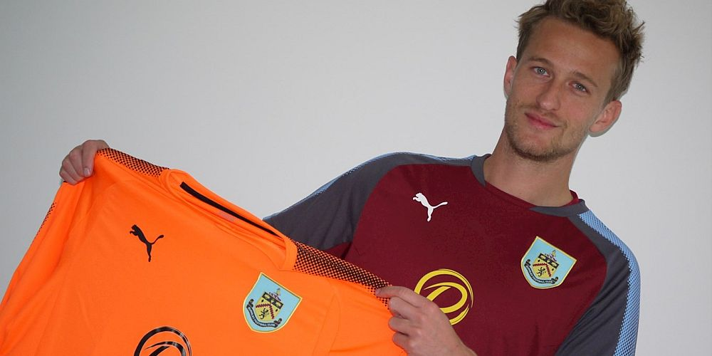 1718 burnley anders lindegaard 01 1000x500