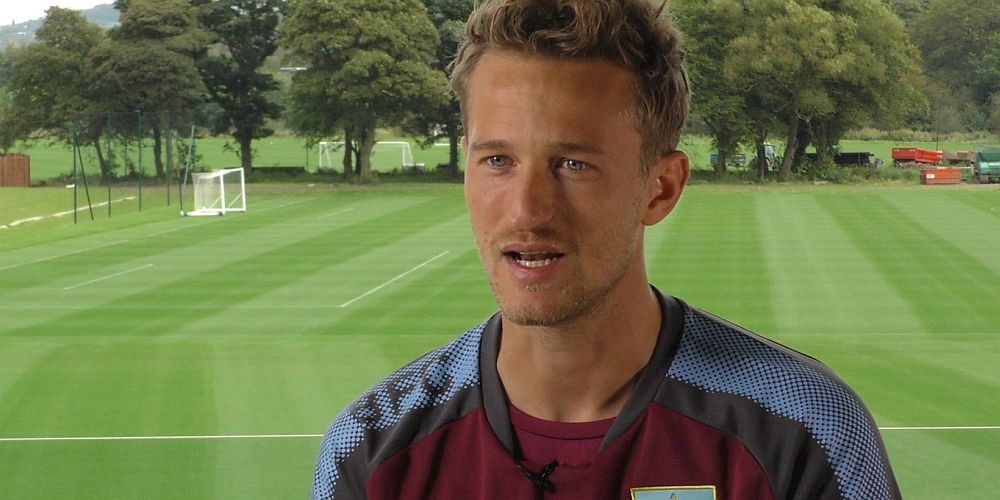 1718 burnley anders lindegaard 02 1000x500