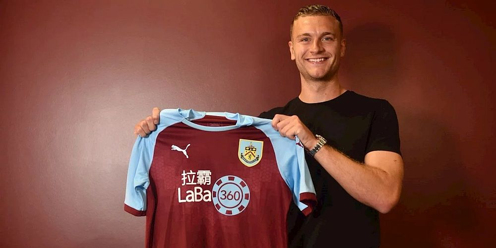 1819 burnley ben gibson signs 1 1000x500